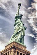 statue of liberty is a simbul of independence in New York