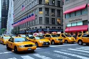 manhattan taxis 5th avenue