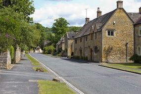 cotswold village street buildings