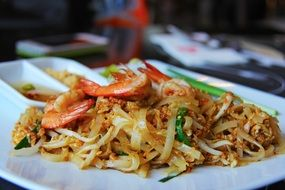pad thai, stir-fried rice noodle with seafood