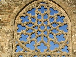 rose window languidou chapel france