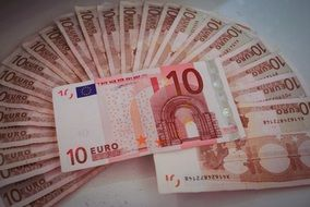 ten euro, red banknotes