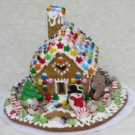 gingerbread house, colorful christmas pastry