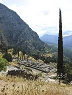 beautiful mauntains view ruins delphi roman temple