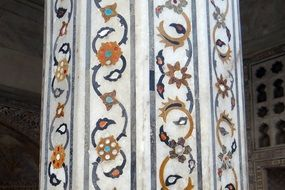 marble pillar with precious stones inlaid, india, agra fort