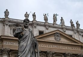 Saint Peter's sculpture at basilica, italy, rome, vatican