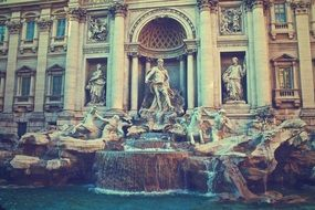 trevi fountain rome italy