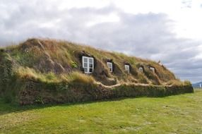 peat house with grass roof