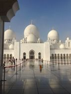frontal view of Sheikh Zayed Grand Mosque, uae, abu dhabi