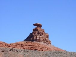 mexican hat, red sansstone rock formation, usa, utah, monument valley