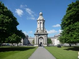 trinity college gateway in park, uk, ireland, dublin