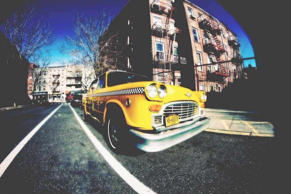 new york yellow taxi brooklyn city street