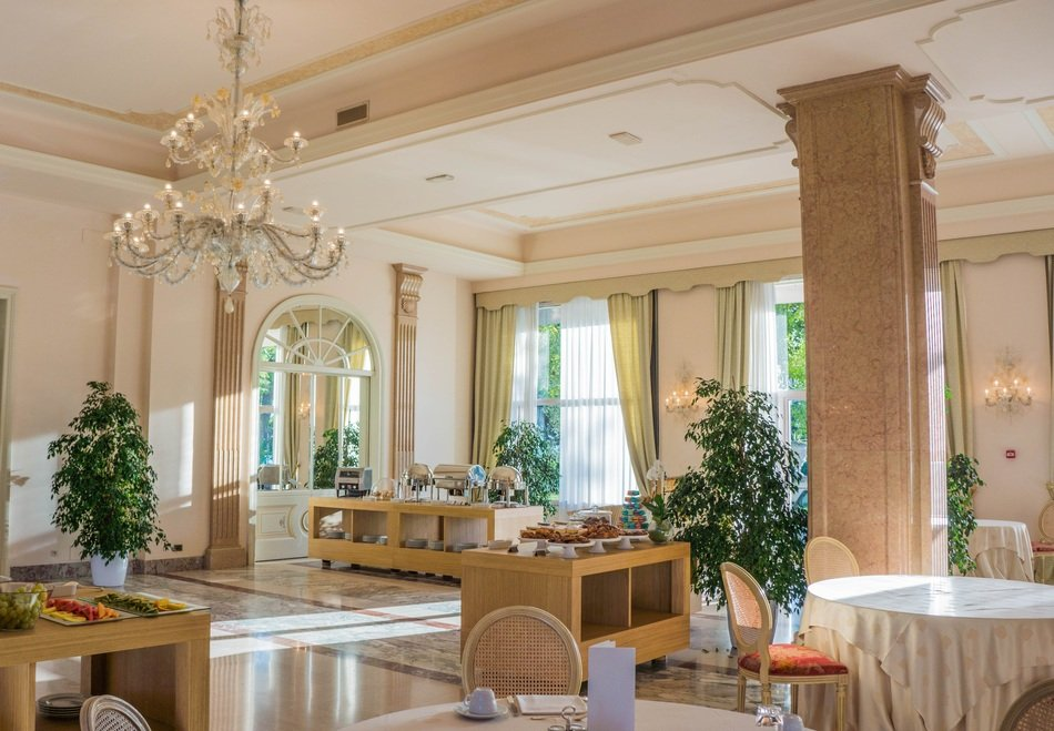 villa cortine palace restaurant breakfast room
