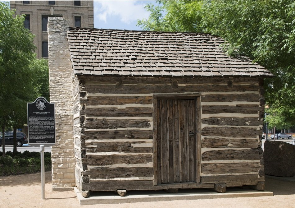 vintage log cabin in museum, usa, texas, dallas
