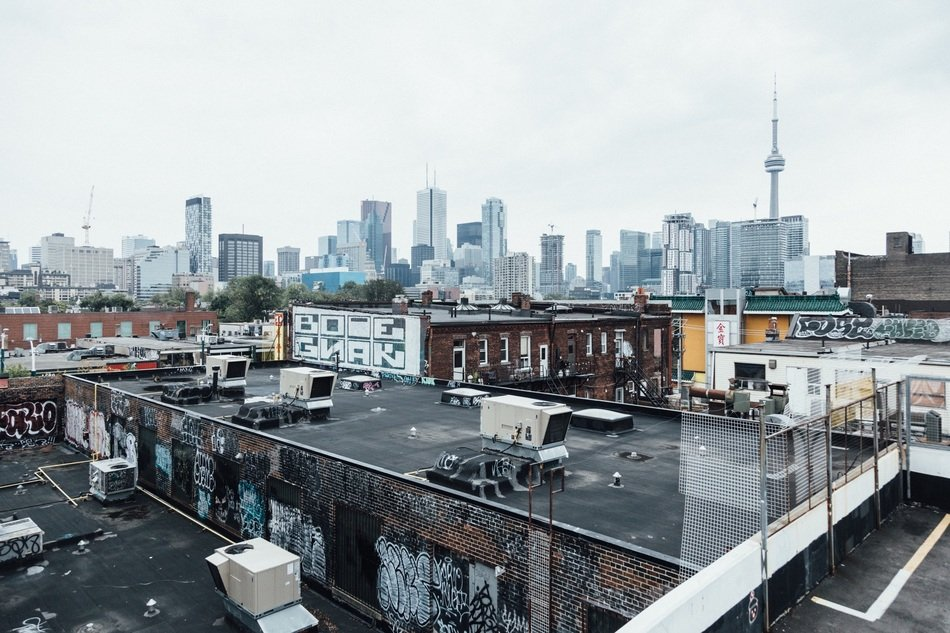 midtown, grunge roofs in view of city