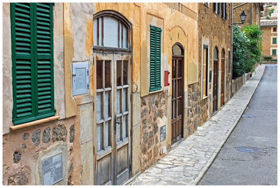 old houses with closed shutters on windows, spain, mallorca