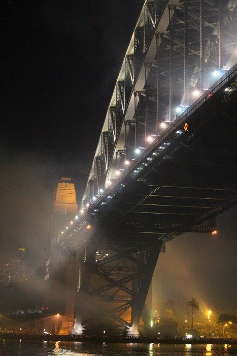 sydney night harbour bridge light