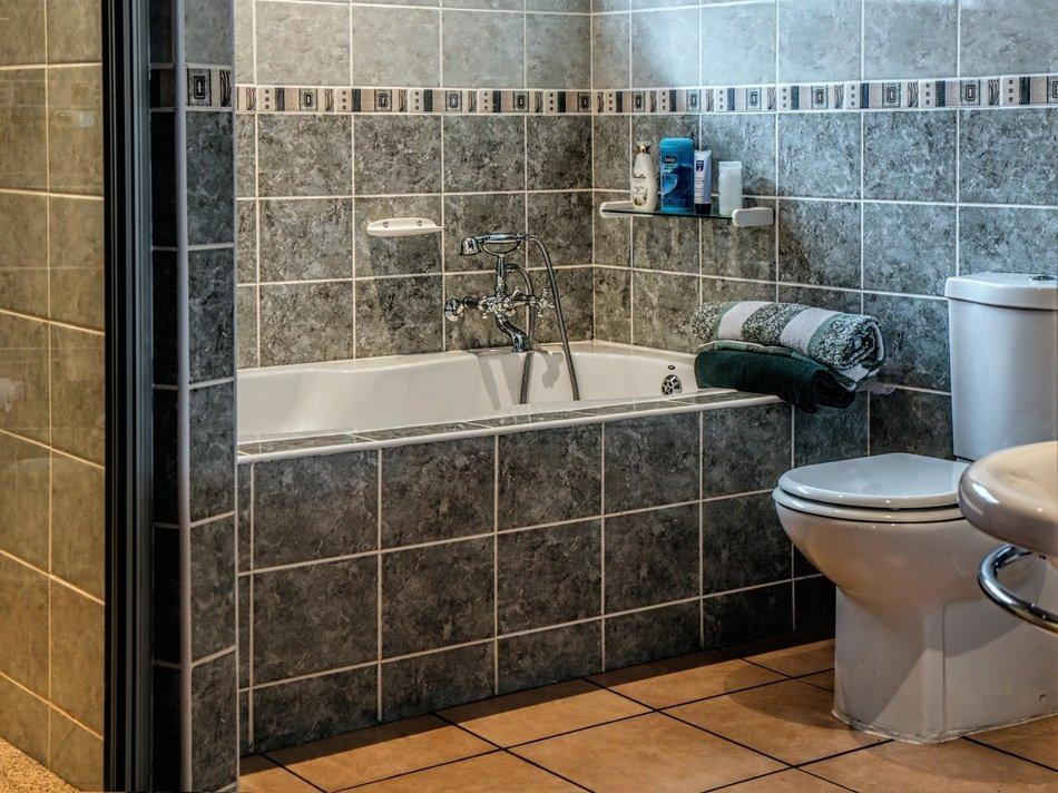 bath tub and toilet in bathroom