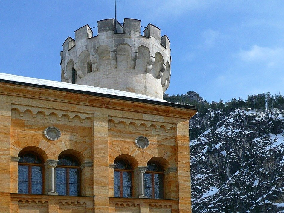 closed hohenschwangau castle