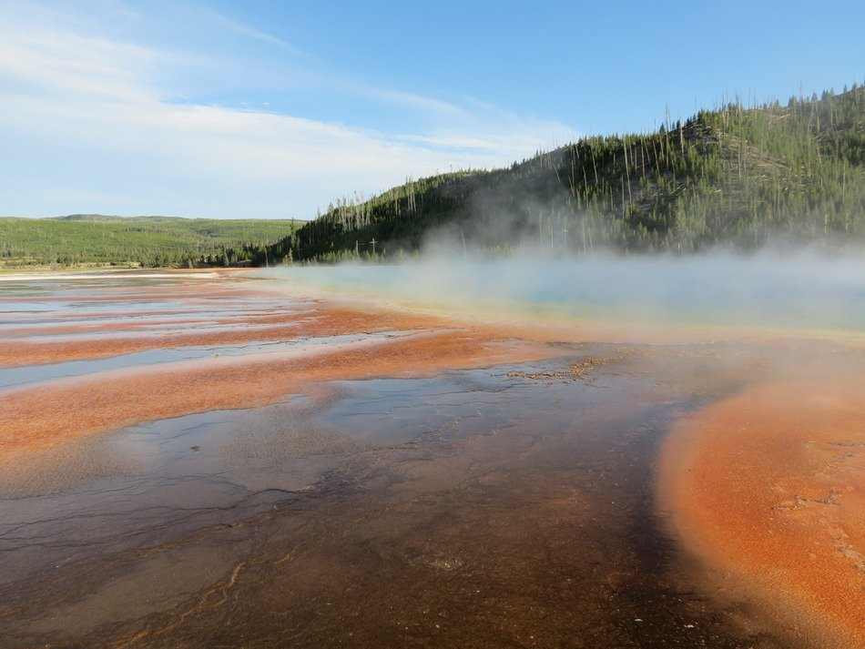 thermal feature, hot pool in wilderness, usa, Wyoming, yellowstone National Park