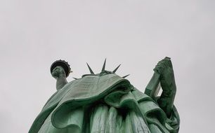 famous monument statue of liberty