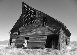 dilapidated old barn