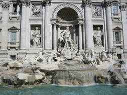 trevi fountain rome italy romans