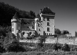 Grey photo of Malartie castle in Vezac