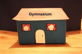 paper house at school