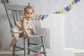 photo session of the girl for the first birthday