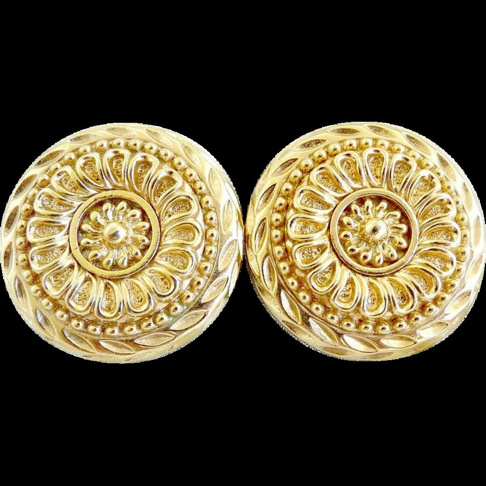 Vintage Gold Medallion Earrings drawing