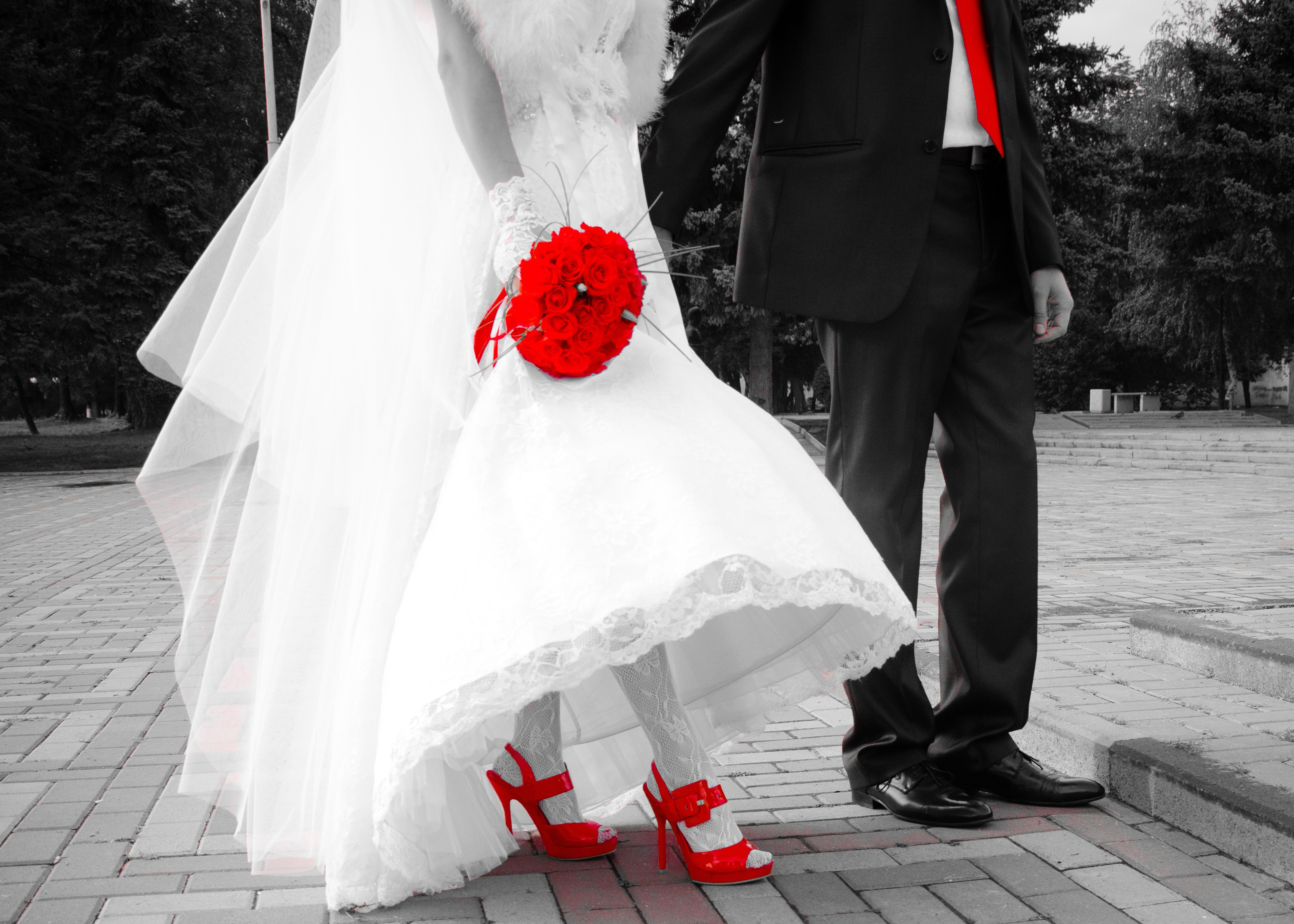White wedding dress and red shoes free