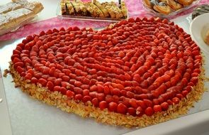 heart form strawberry cake