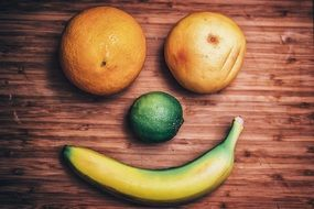 picture of the smiley face made of fruits