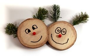 faces laugh wood figures christmas