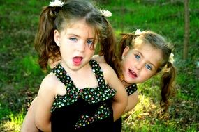 funny twin sisters