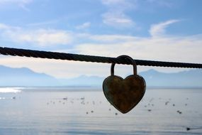 padlock in the form of a heart