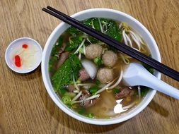 vietnam rice noodles beef ball