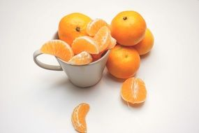 tangerines clementines oranges segments cup