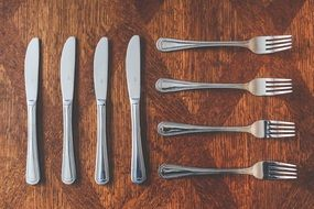 Four knifes and four forks