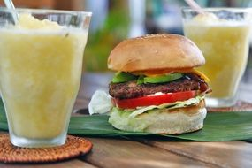 cheeseburger and drinks