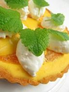 mango tart with cream