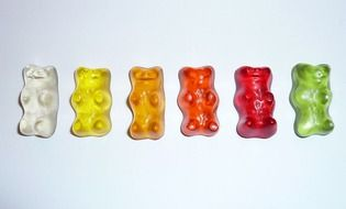 fruit gums in shape of gummi bears