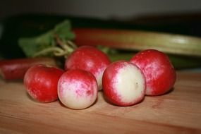healthy radishes vegetables