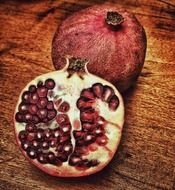 pomegranate is a healthy fruit