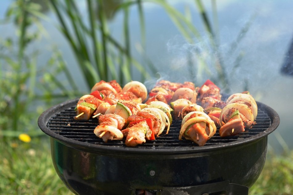 grill skewers eating frying picnic barbecue