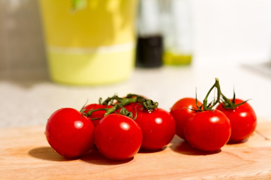red cherry tomatoes vegetables food