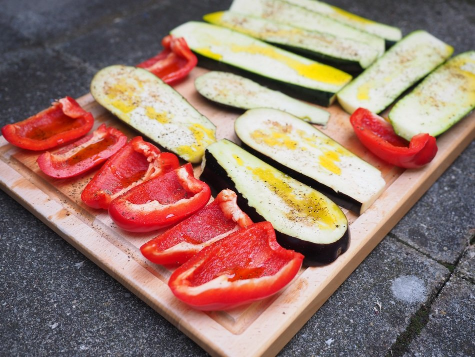 grilled vegetable red paprika zucchini