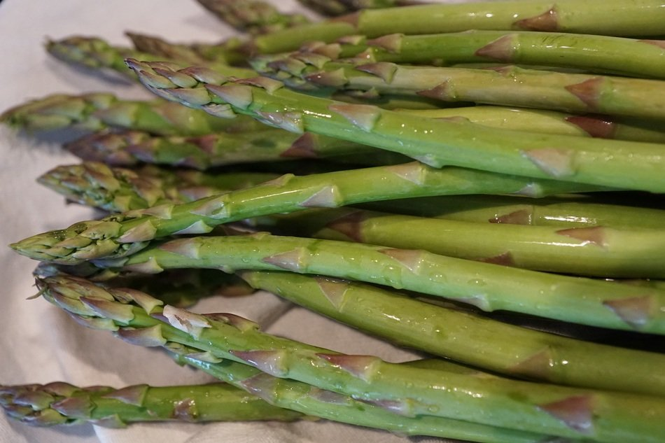 green asparagus food