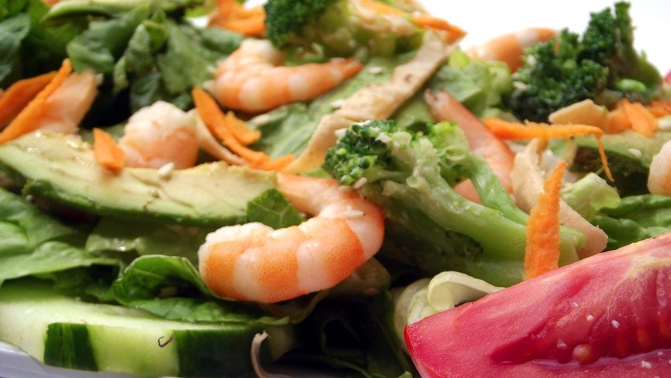 lunch shrimp premium salad